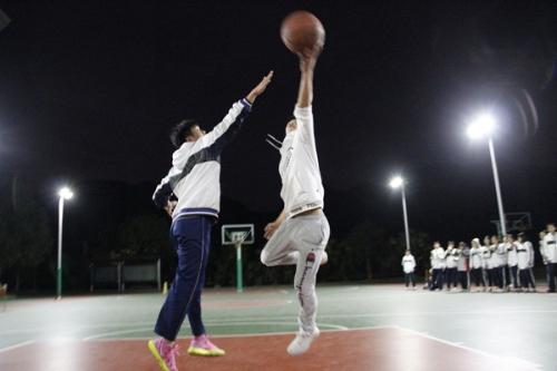 """塘下中学第二届""""路人王""""篮球赛简讯"""